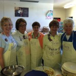 kitchen_ladies_aprons